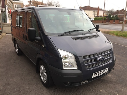 FORD TRANSIT 8 SEATER TOURNEO